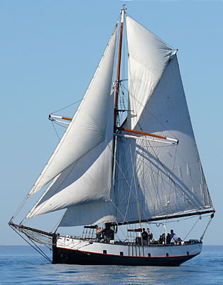Jolly Breeze under full sail
