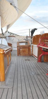 JB deck starboard 2